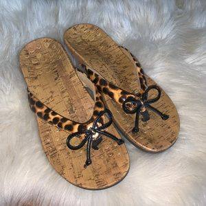 Vionic Animal Print cork flip flop sandals size 9